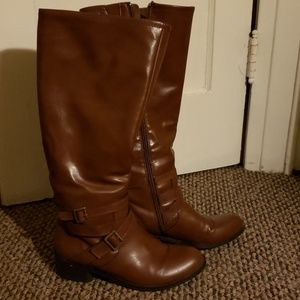 Size 8.5 brown riding boots